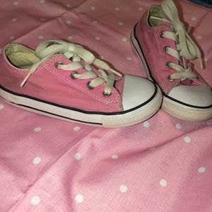 Very cute pink toddler converse